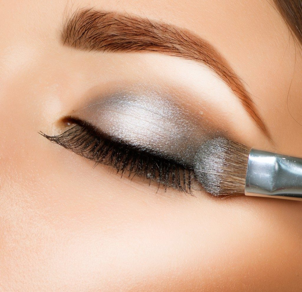 Eyeshadow with brush