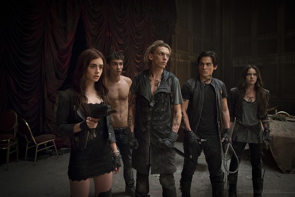 The Mortal Instruments City of Bones main cast